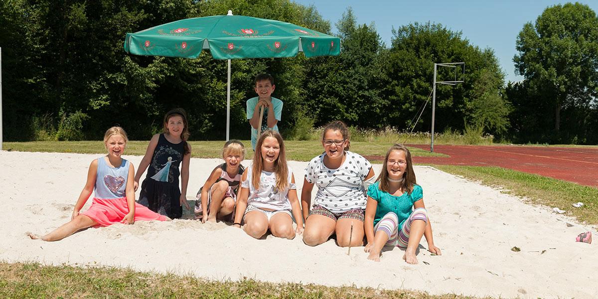 Schüler freuen sich auf die Ferien