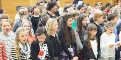 Schüler musizieren für Schüler